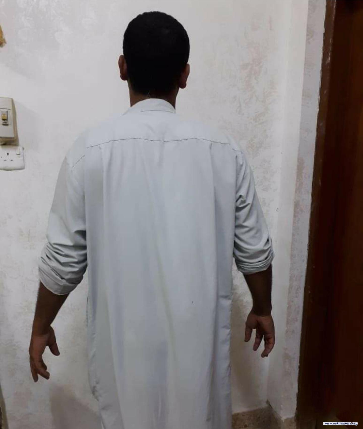 شرطة محافظة الديوانية تلقي القبض على متهم  قام بالاعتداء على شقيقته.
