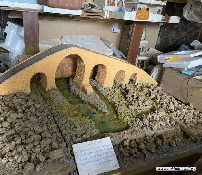 """المآساة صنعت الآمل… عراقي يجسد الحضارة والآثار بـ6 مجسمات تساوي """"سنوات النزوح"""": يحلم بمعرض خاص لإعماله"""