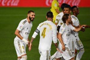 بنزيما يضرب كارلوس بورقة الديربي ويدخل تاريخ ريال مدريد